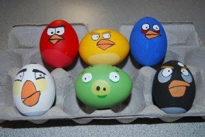 oeufs-paques-geek-Easter-Eggs-angry_birds_easter_eggs